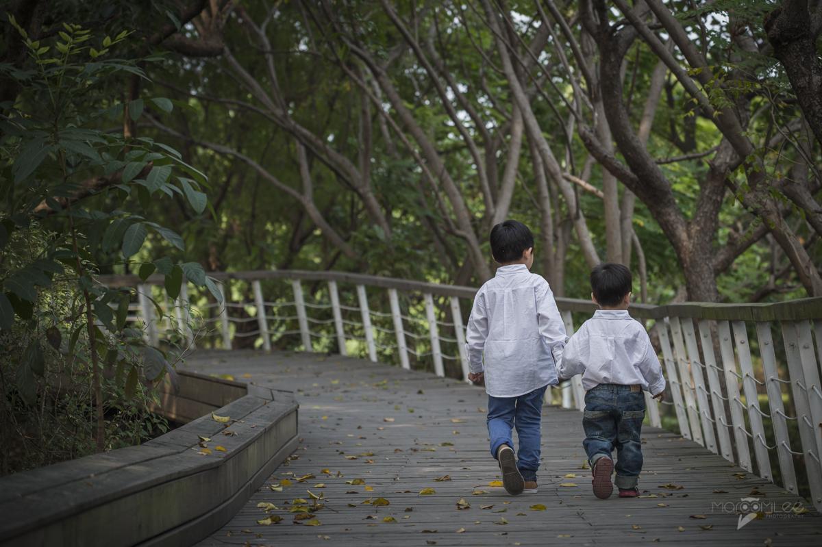 [高雄兒童寫真] 安琪 & 均融 兄弟 親子寫真 @ 高雄市立美術館